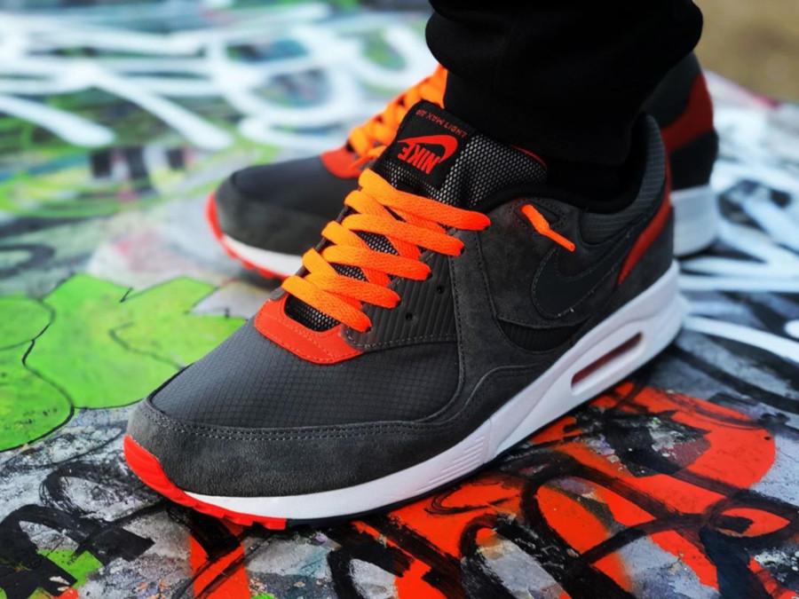Size x Nike Air Max Light Zero Gravity - @str33t_sn34k_m4g1c