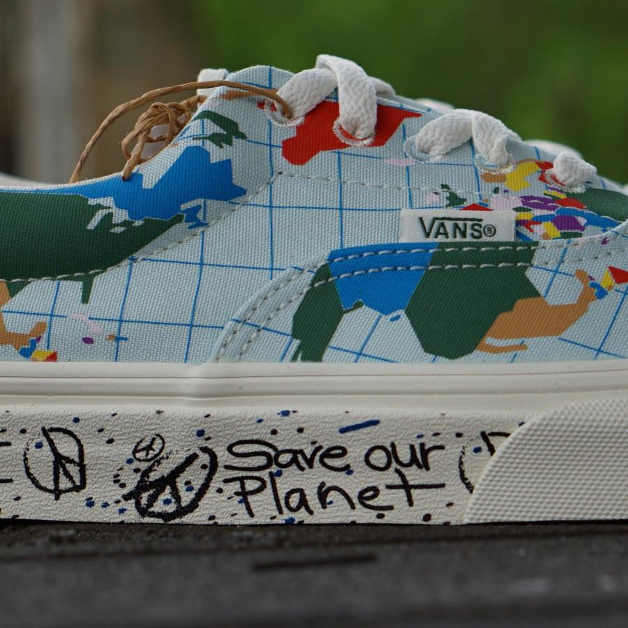 Sortie Vans Era en coton bio (imprimé carte du monde) (2)