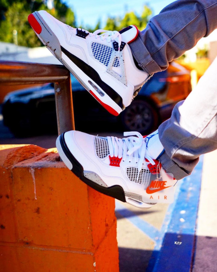 air-jordan-4-retro-white-military-blue-tech-grey-fire-red-CI1184-146 (7)