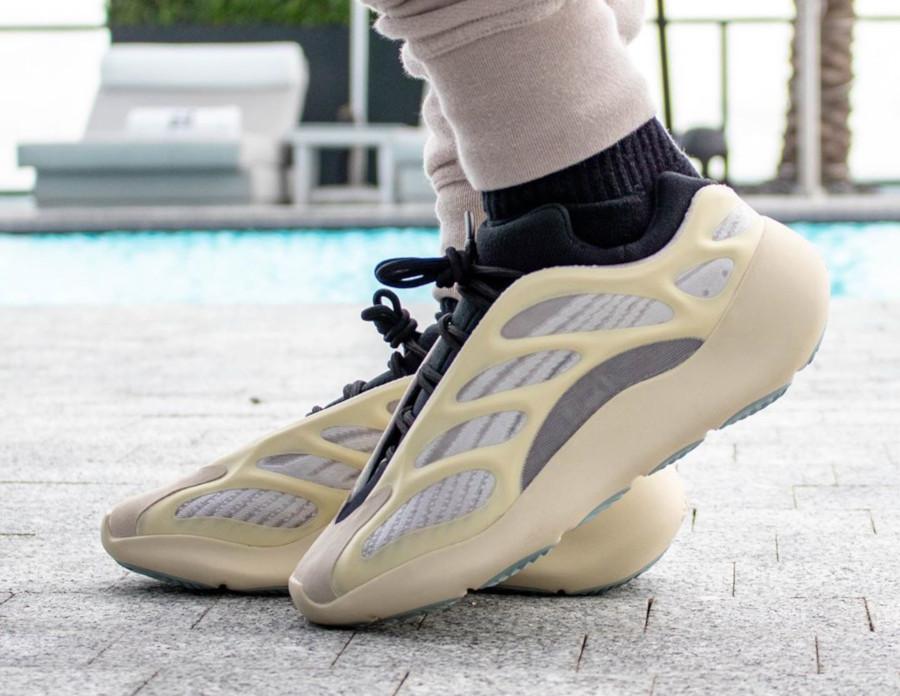 Kanye West x Adidas Yeezy 700 V3 'Azael' (3)