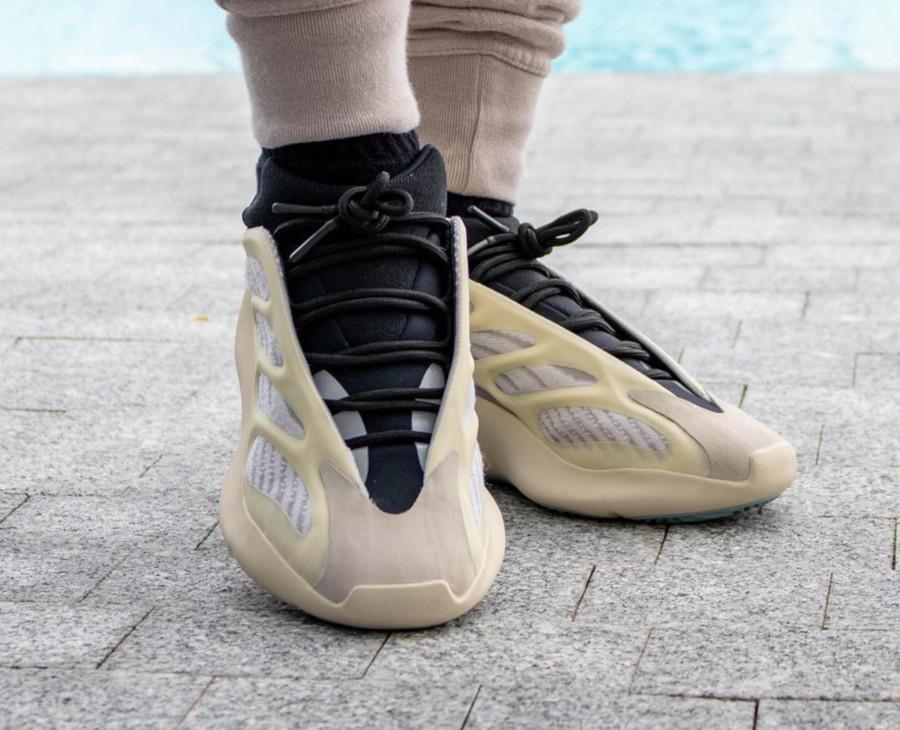 Kanye West x Adidas Yeezy 700 V3 'Azael' (5)