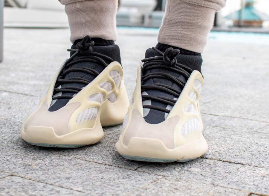 Kanye West x Adidas Yeezy 700 V3 'Azael'