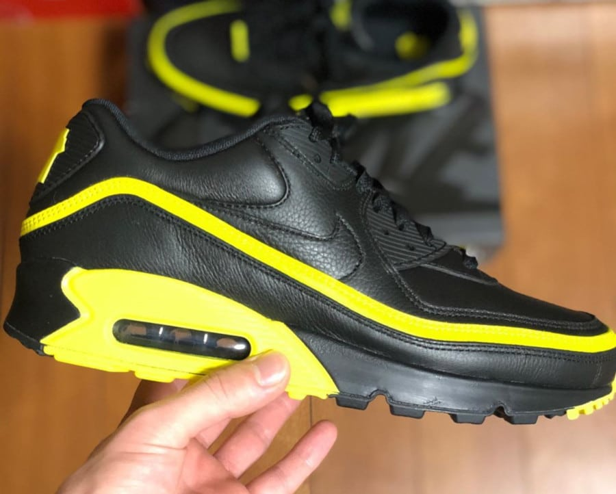 Nike Air Max 90 Black Optic Yellow CJ7197-001 (1)