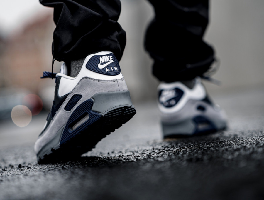 Nike-Air-Max-90-NRG-Lahar-White-Neutral-Indigo-Smoke-Grey-ci5646-100-1