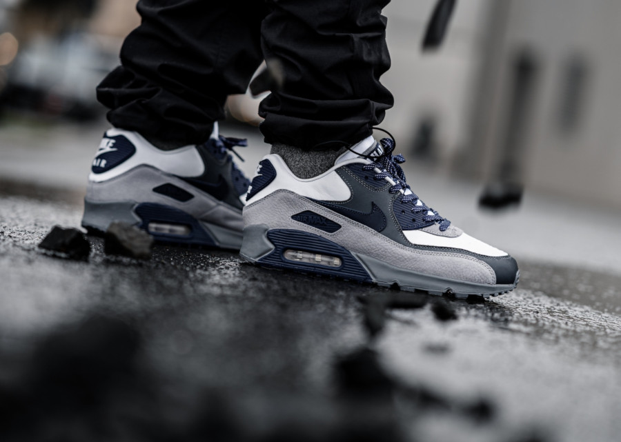 Nike-Air-Max-90-NRG-Lahar-White-Neutral-Indigo-Smoke-Grey-ci5646-100-2