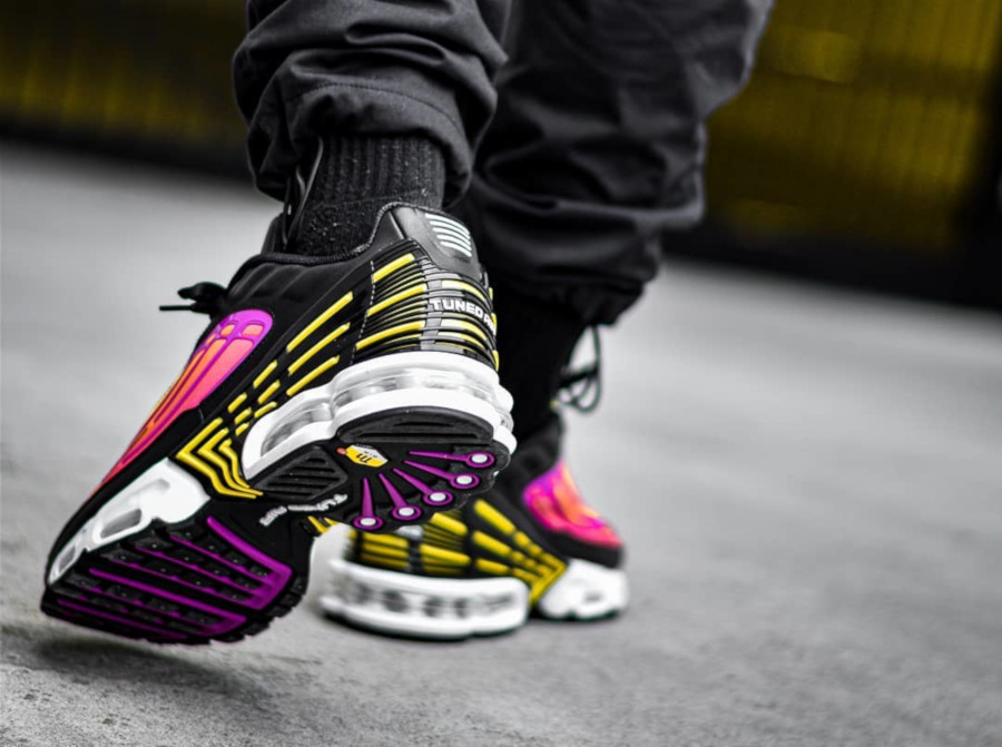 Nike Air Max Plus 3 Tuned 'Black Hyper Violet Pink Blast' (1)