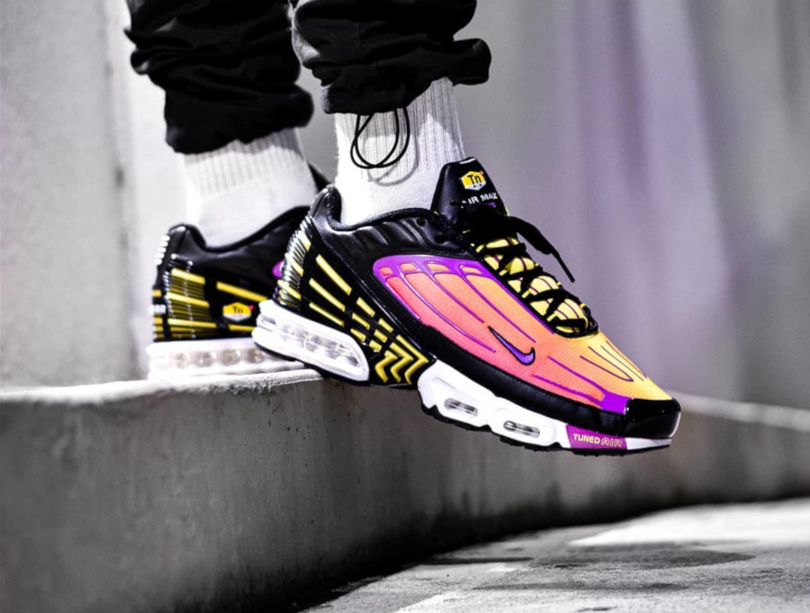 Nike Air Max Plus 3 Tuned 'Black Hyper Violet Pink Blast' (2)