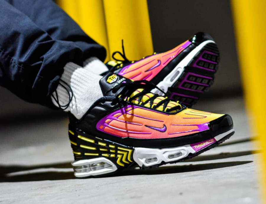 Nike Air Max Plus 3 Tuned 'Black Hyper Violet Pink Blast' (3)