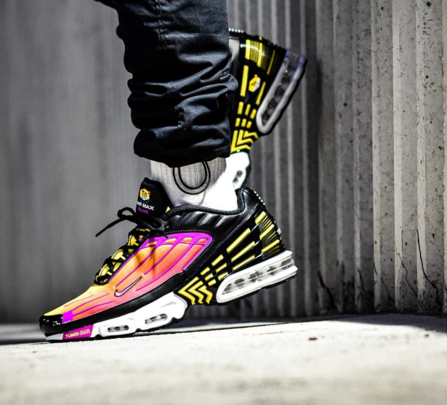 Nike Air Max Plus 3 Tuned 'Black Hyper Violet Pink Blast' (4)