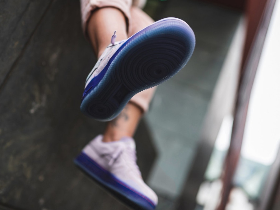 Nike-Wmns-Air-Force-1-07-LXX-Vandalized-Purple-Agate-Rush-Violet-3