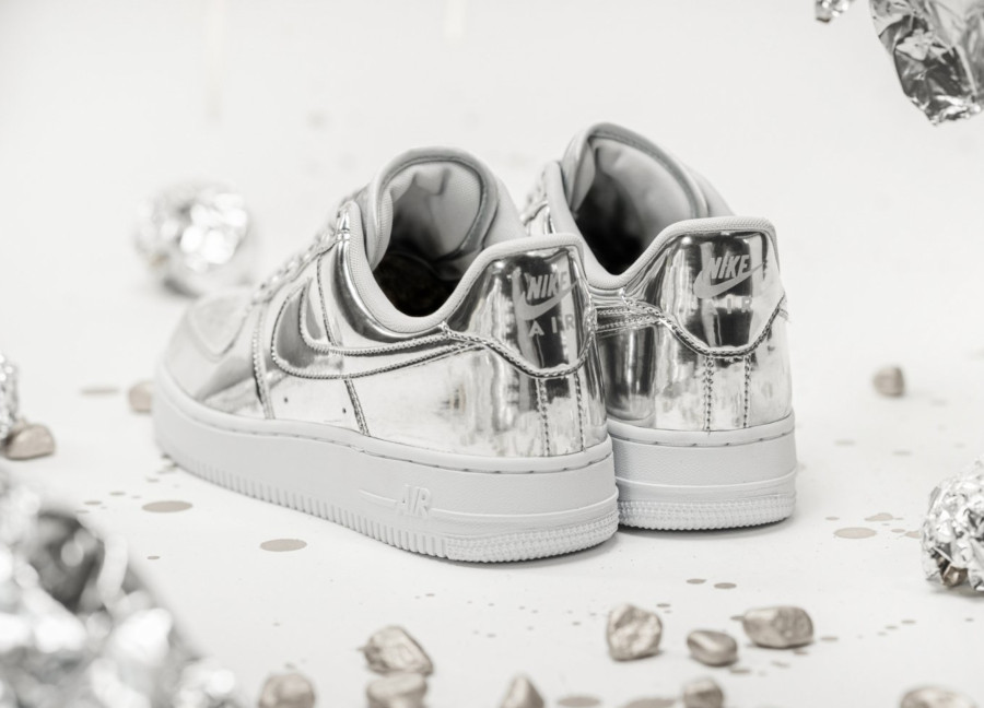 Nike-Wmns-Air-Force-1-Low-SP-Chrome-Metallic-Silver-1