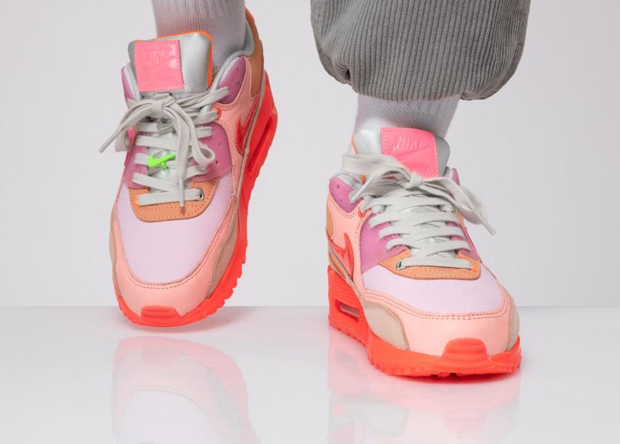 Nike Wmns Air Max 90 Premium 'CDG' Pink Shade (3)
