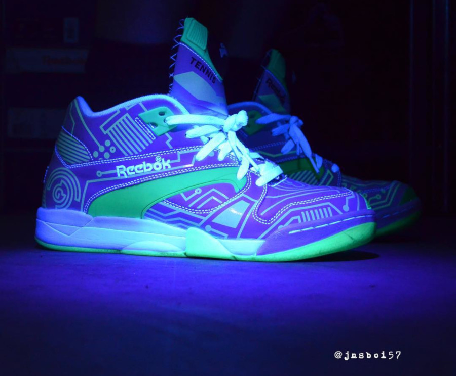 Reebok Pump Court Victory Tron (Glow in the Dark) - @jnsboi57
