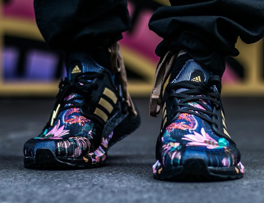 Adidas UltraBoost Chinese New Year Black Gold Floral FW4310 (2)