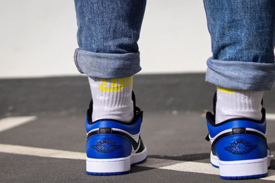 Air Jordan 1 Low 'Royal Blue Toe' on feet (1)