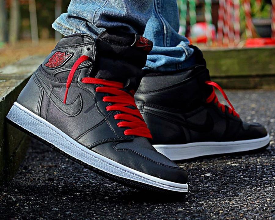 Air Jordan 1 Retro High OG 'Black Satin' Gym Red (4)