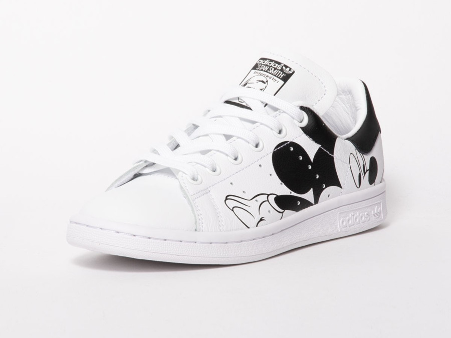 Disney-x-Adidas-Stan-Smith-Mickey-Mouse-Chinese-New-Year-3