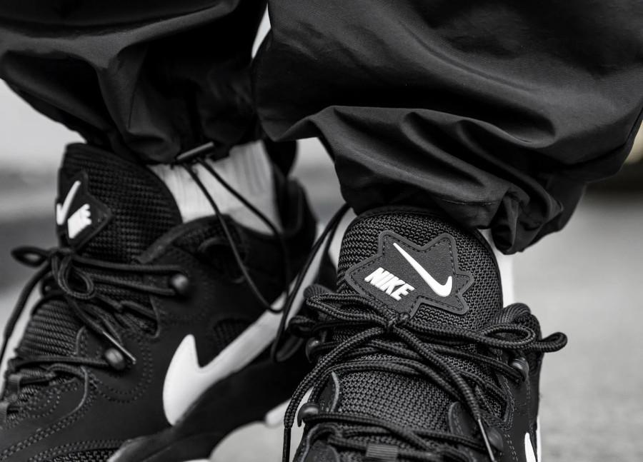 Nike Air Barrage Low OG '96 Black White Retro 2020 (2)