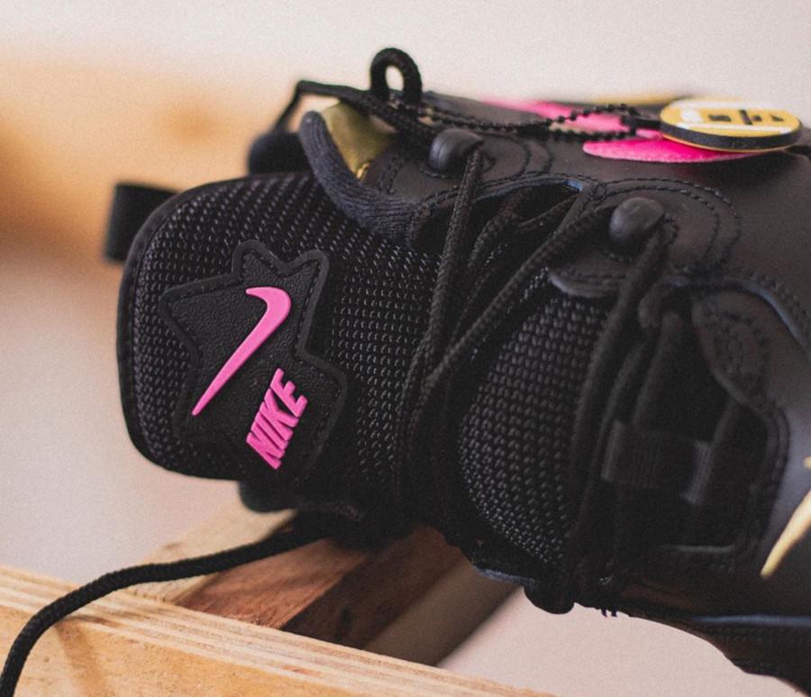Nike-Air-Barrage-Low-QS-Pink-Blast-Infinite-Gold-Superbowl-Liv-2020-6 (1)