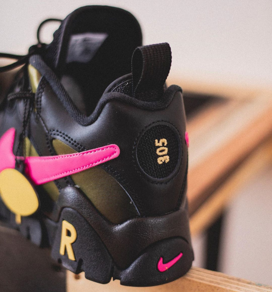 Nike-Air-Barrage-Low-QS-Pink-Blast-Infinite-Gold-Superbowl-Liv-2020-6 (4)