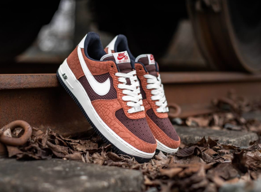 Nike Air Force 1 Premium Red Bark Sail Earth University Red (4)