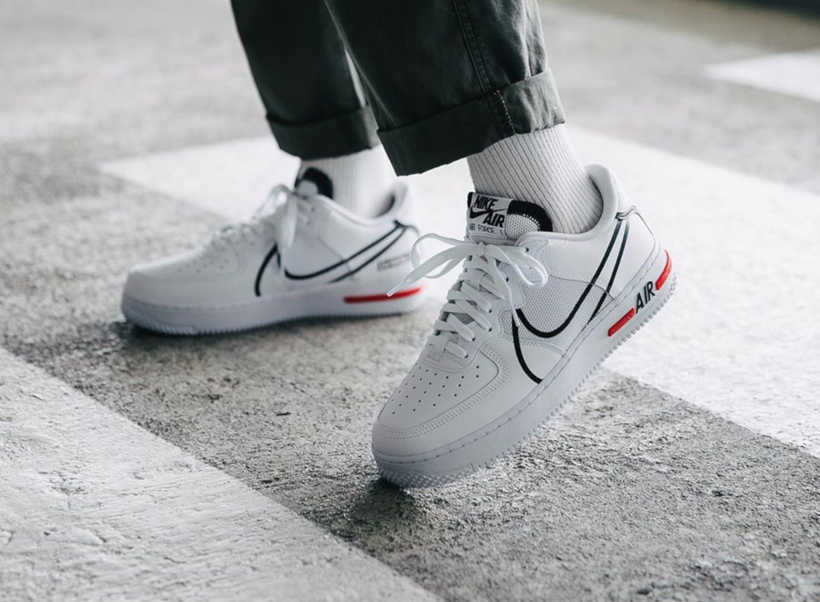 nike air force 1 react blanc
