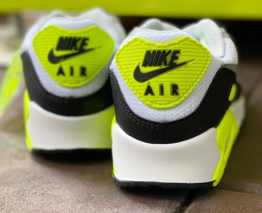 Nike Air Max 90 femme Particle Grey Volt' (30th Anniversary)