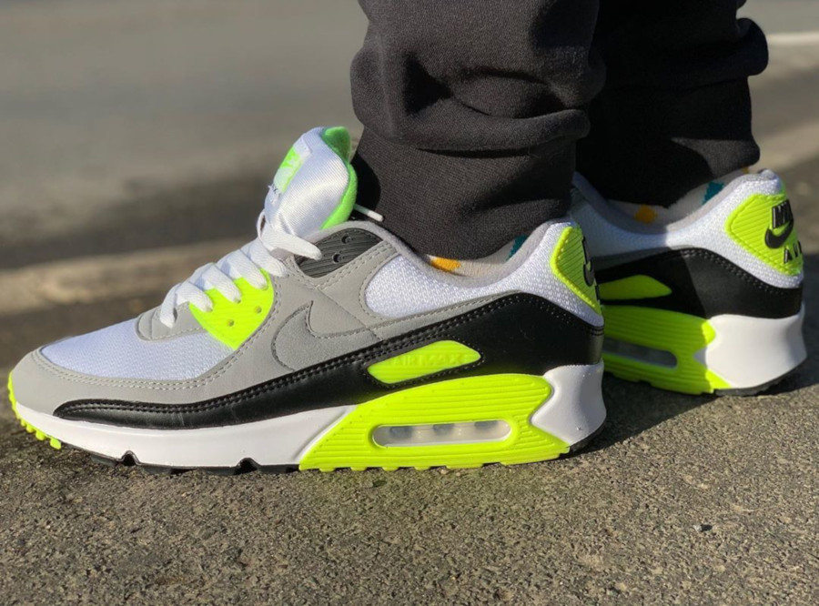 Avis : que vaut la Nike Air Max 90 OG Recraft Volt CD0881 103 ?