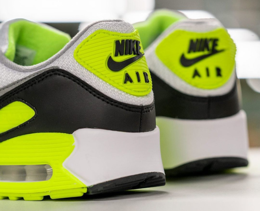 Nike Air Max 90 homme Particle Grey Volt' (30th Anniversary) (4)
