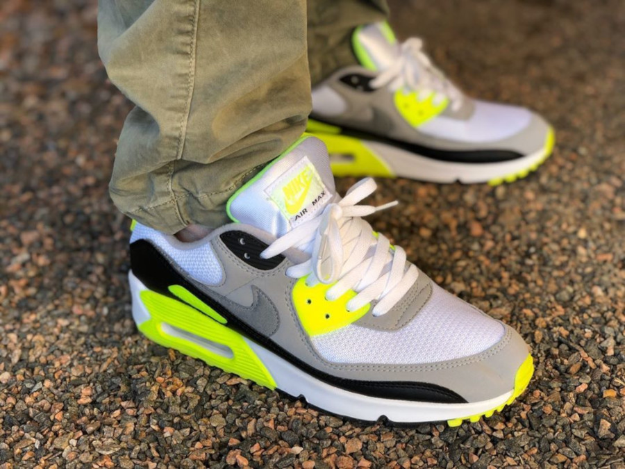 Nike Air Max 90 homme Particle Grey Volt' (30th Anniversary) (9)