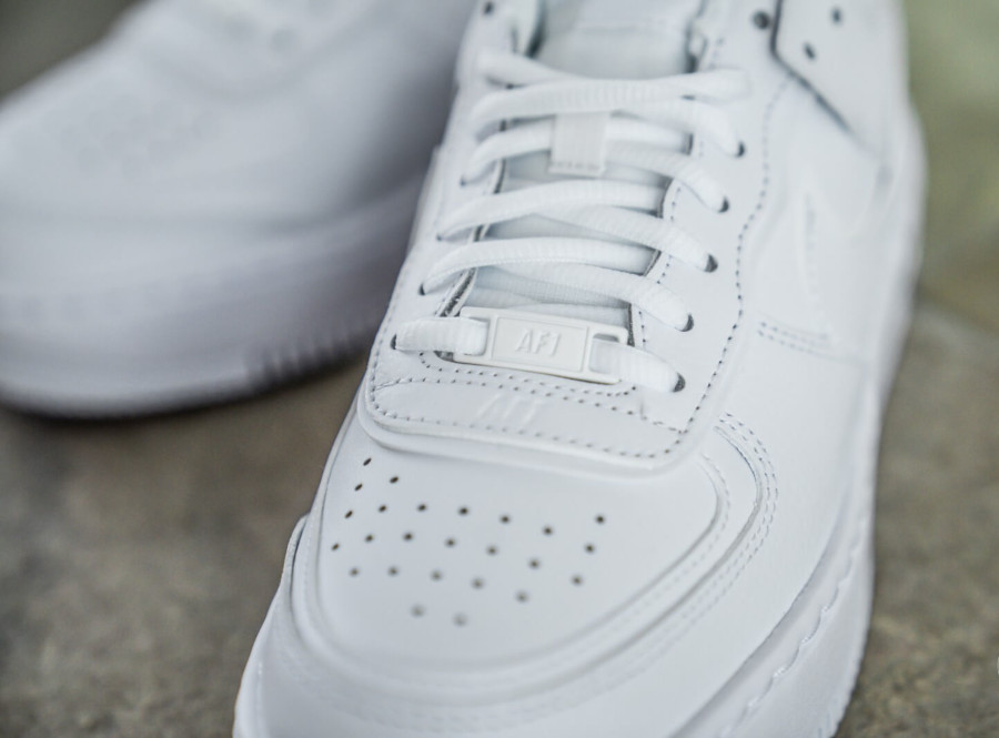 Nike Wmns AF1 Shadow 'Triple White' (4)