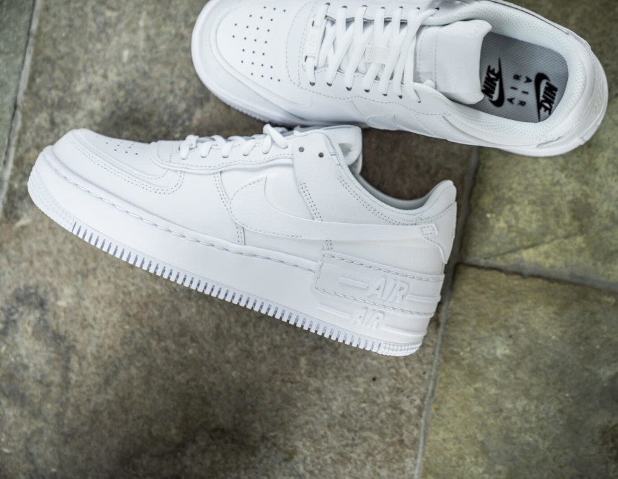 Nike Wmns AF1 Shadow 'Triple White' (5)