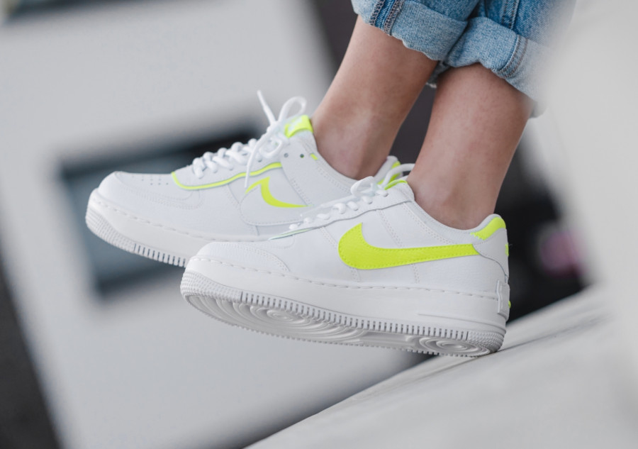Nike-Wmns-AF1-Shadow-White-Lemon-Venom-3