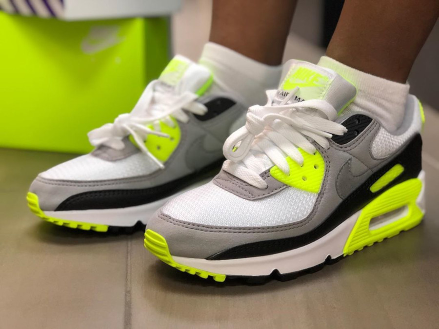 Nike Wmns Air Max 90 OG Volt on feet CD0490-101