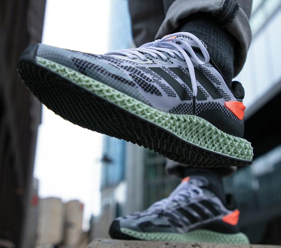 Adidas 4D Run 1.0 'Core Black Signal Coral' (2)