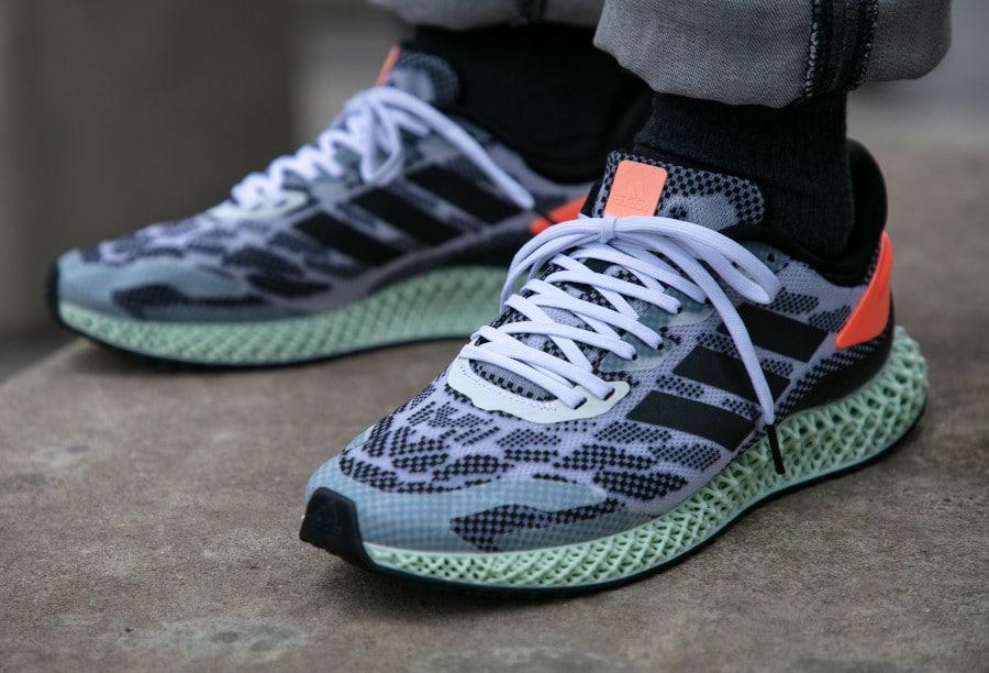 Adidas-4D-Run-1.0-Core-Black-Signal-Coral-4