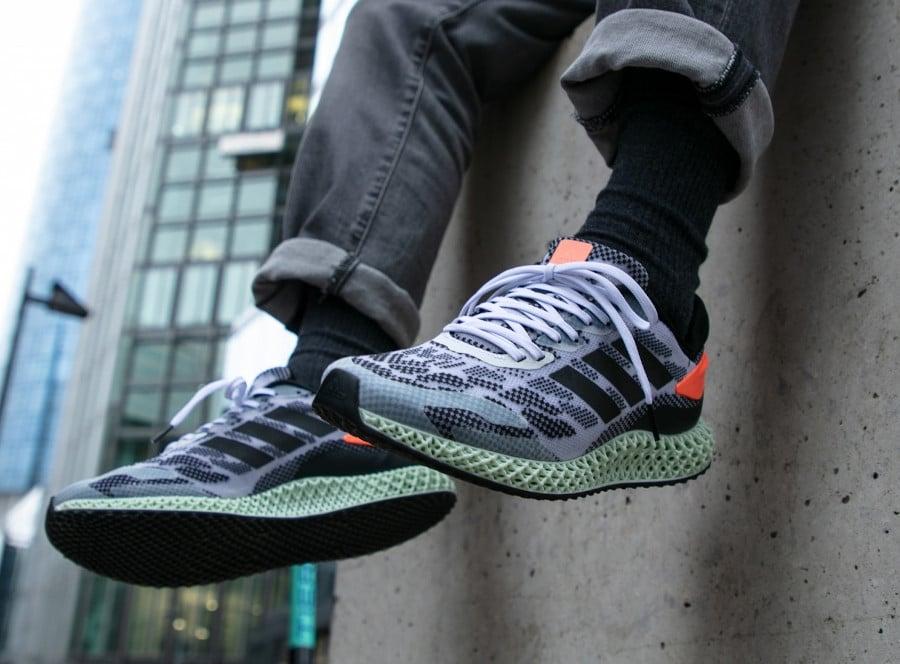 Adidas-4D-Run-1.0-Core-Black-Signal-Coral-5