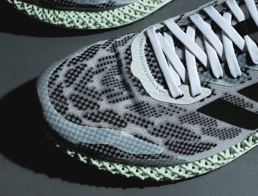 Adidas 4D Run 1.0 'Core Black Signal Coral' (6)