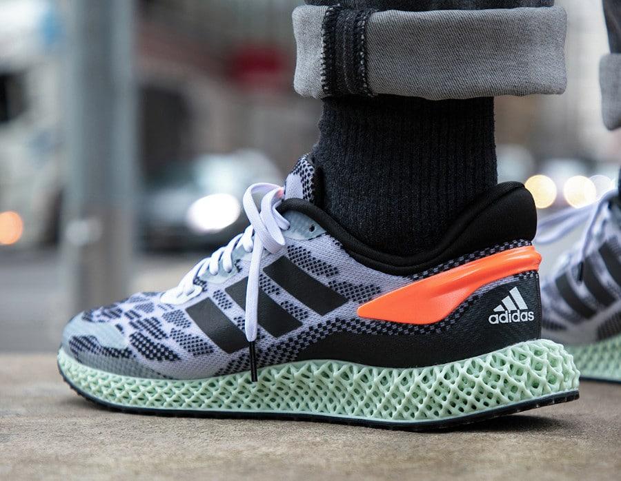 Adidas 4D Run 1.0 'Core Black Signal Coral' (7)