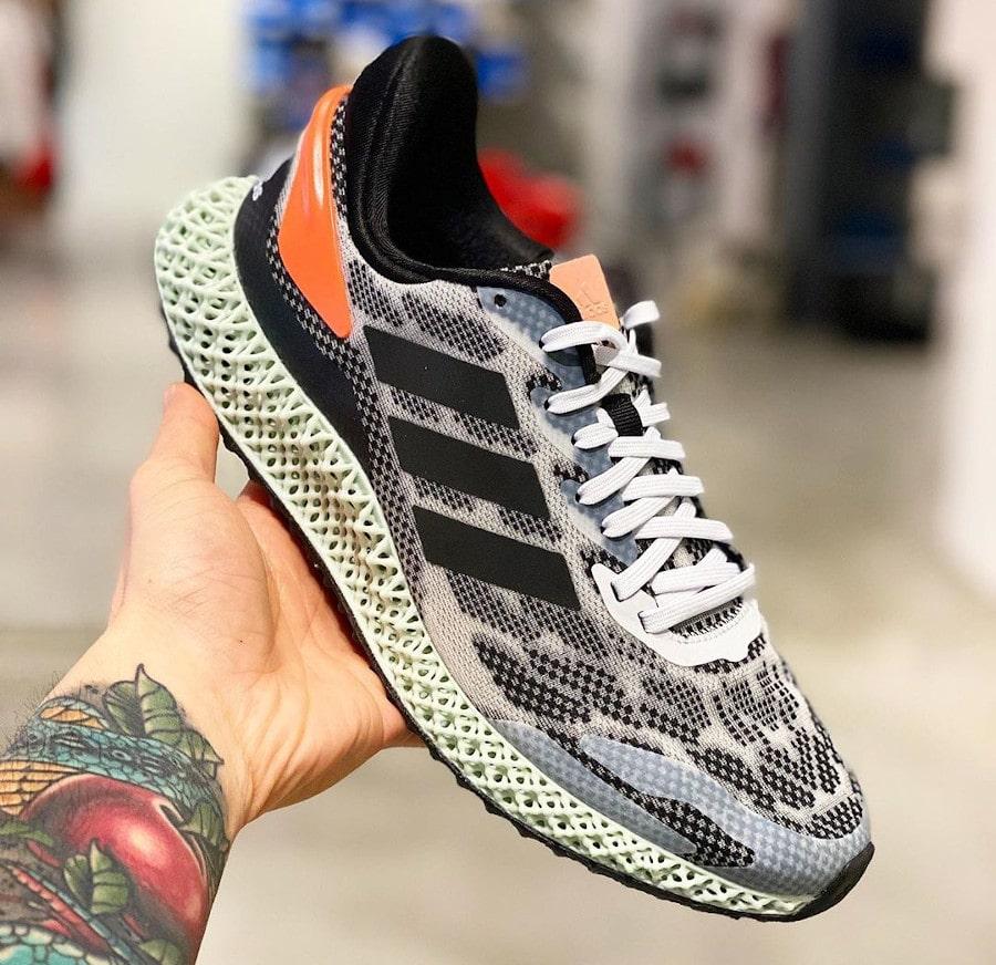 Adidas 4D Run 1.0 'Core Black Signal Coral' (9)
