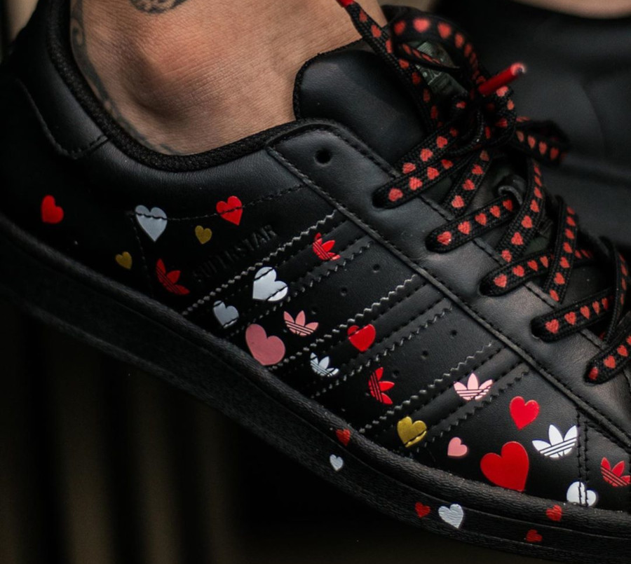Adidas Superstar W Core Black Saint Valentin 2020 FV3288 (2)