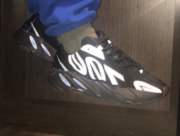 Adidas Yeezy Boost 700 MNVN Triple Black 3M FV4440