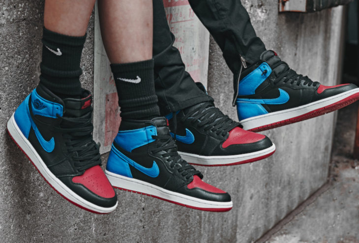 Air-Jordan-1-High-OG-Wmns-UNC-to-Chicago-Powder-Blue-Gym-Red-6