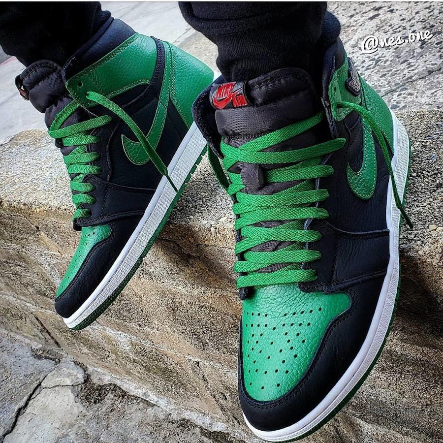 Air Jordan 1 Retro High OG Pine Green 2020 on feet (2)