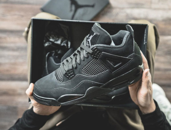 Air Jordan 4 noire Black Cat Retro 2020 CU1110-010