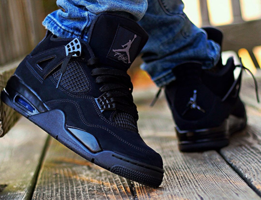 Air Jordan IV Retro Black Cat 2020 on feet (2)