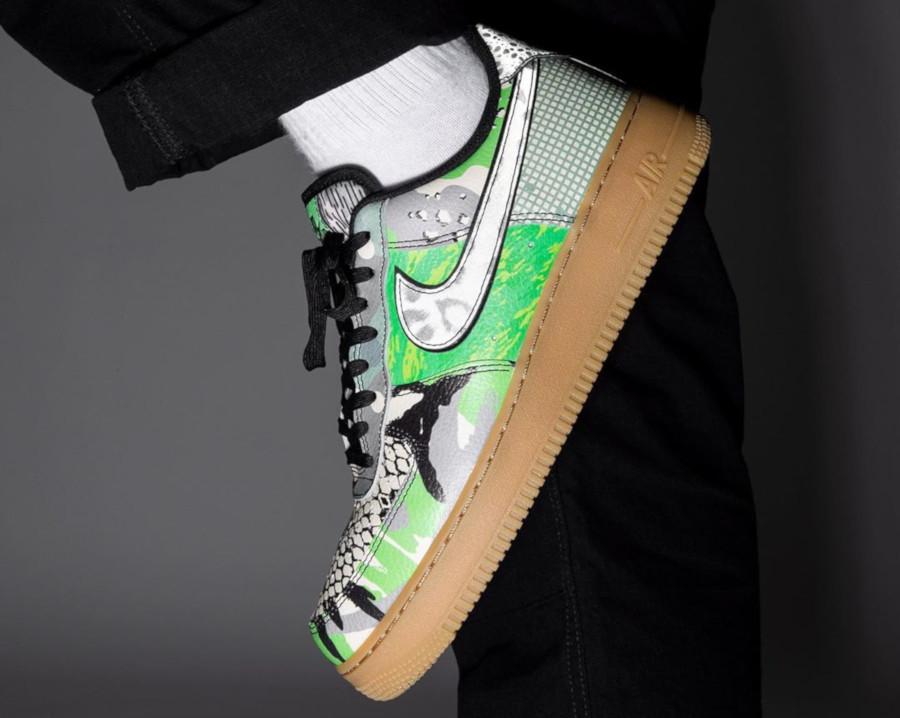Nike Air Force 1 '07 Black Green Spark (1)