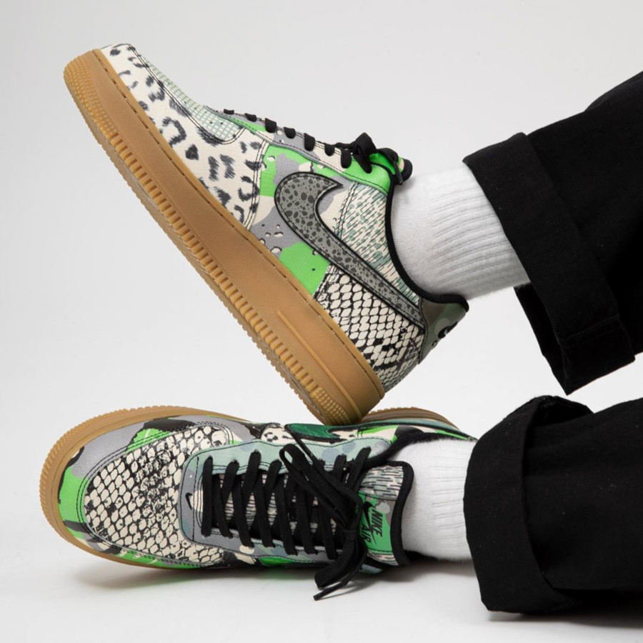 Nike Air Force 1 '07 Black Green Spark (3)