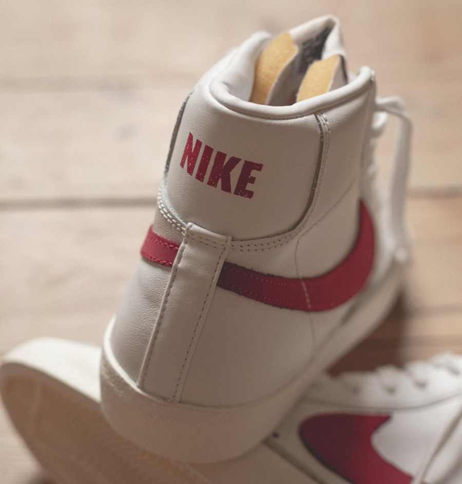 Nike Blazer Mid 77 VNTG White Worn Red Brick Sail (1)