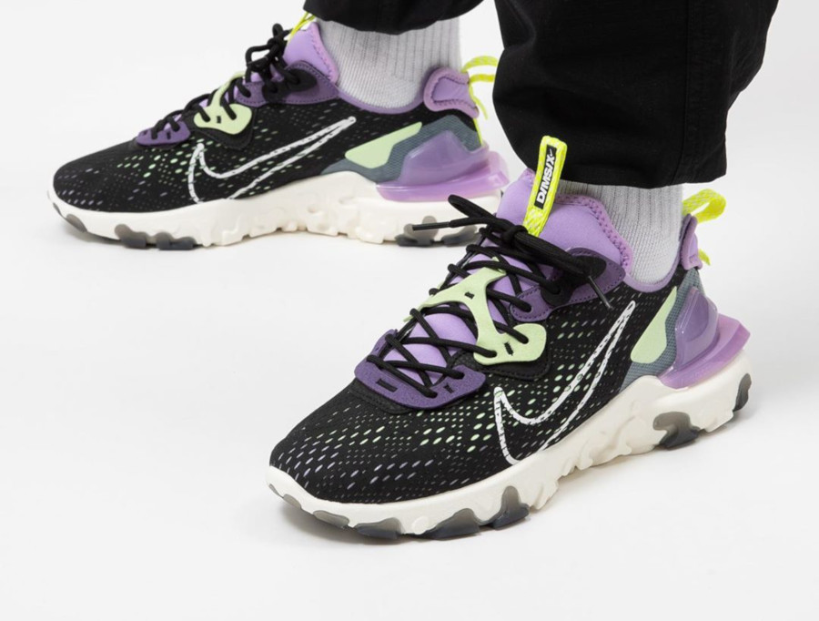 Nike React Vision DMSX 'Black Gravity Purple Volt' (2)